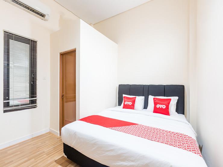 OYO 1435 Residence 446 Jakarta - Bedroom