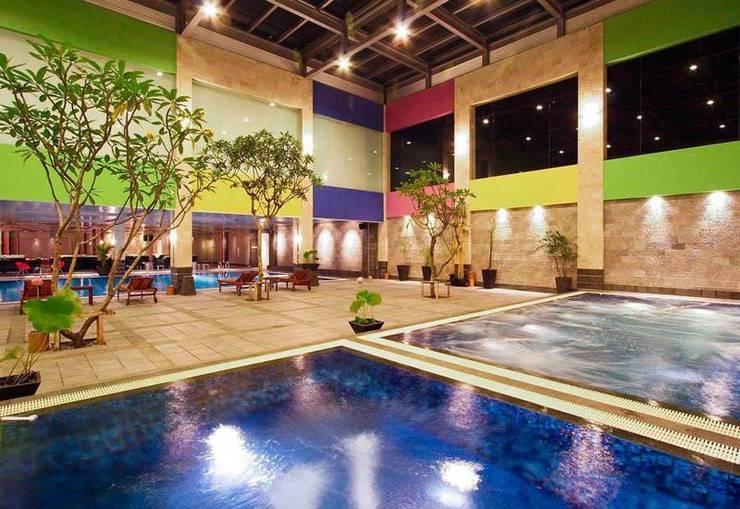 FM7 Resort Hotel Jakarta - Hot & cool Whirpool
