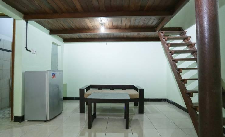 RedDoorz @Gatot Subroto Barat Bali - Interior