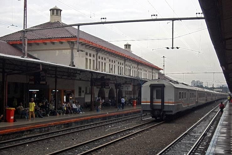 Hotel Amaris Senen - Stasiun Senen