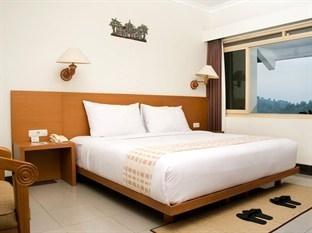 Sangria Resort & Spa Bandung - Deluxe King