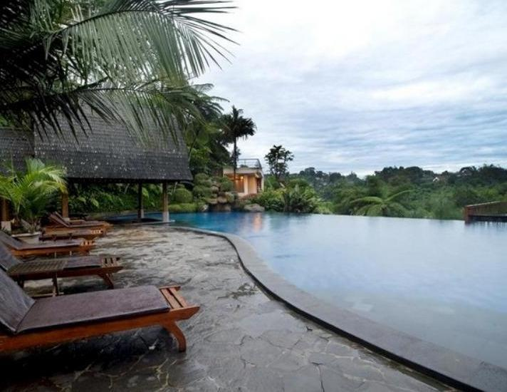 Sangria Resort & Spa Lembang - Resort Pool