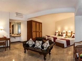 Bounty Hotel Bali - Deluxe Triple 2