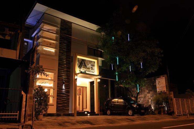 Omah Qu Guesthouse by Symphony Yogyakarta - tampak depan hotel