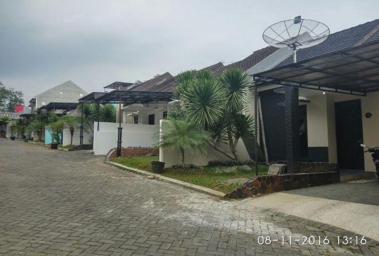 Villa Batoe Residence B8 Malang - Exterior