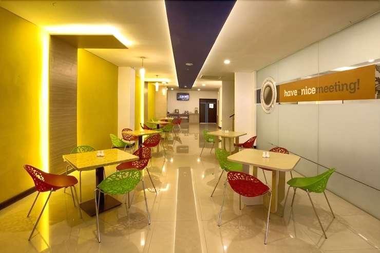 Zodiak Paskal Hotel Bandung - Breakfast Area