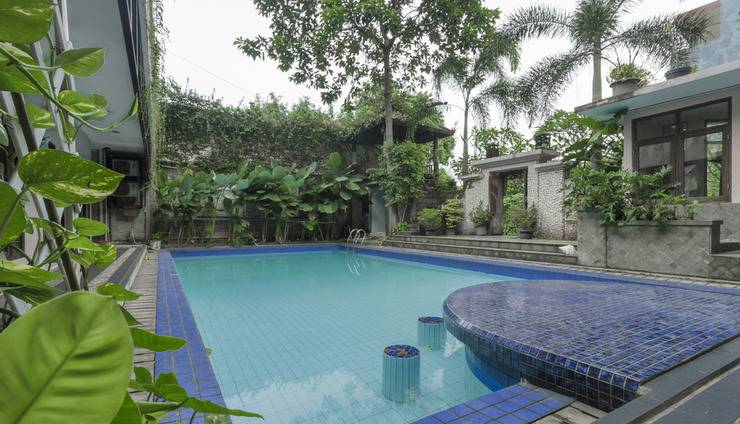 OYO 107 Kusuma Kemang Suite Jakarta - Kolam