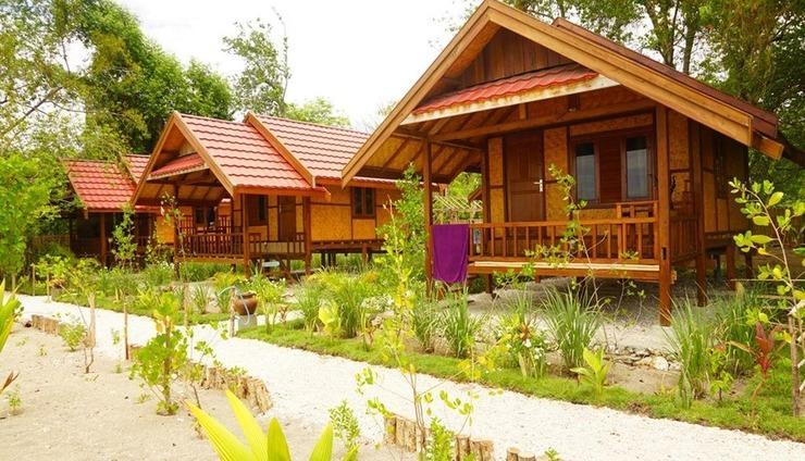 Maryan Moyo Bungalows Bar & Resto Sumbawa - Exterior