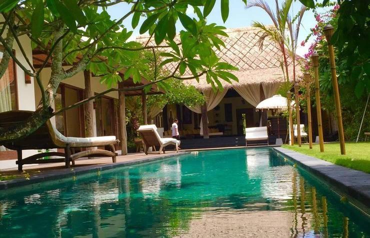 Ku Besar Villa Bali - Kolam Renang