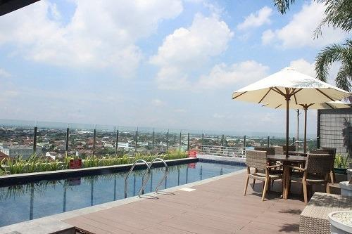 Sala View Hotel Solo - sky pool at 9th floors