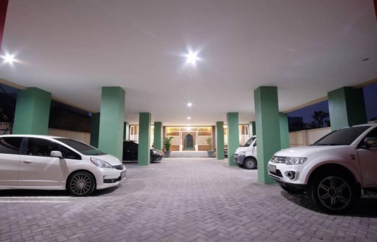 D'Madinah Residence Syariah @ Gentan Solo - Area parkir