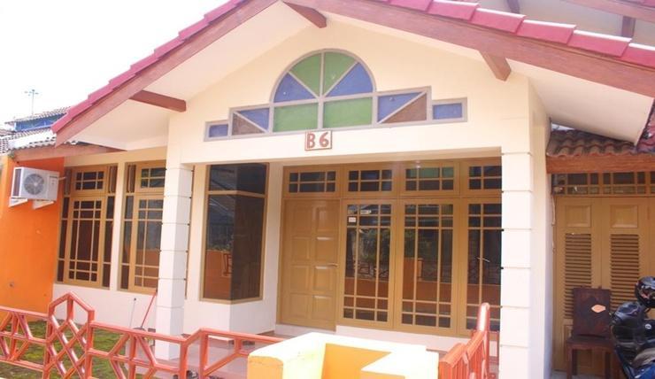 Ambarketawang Guest House Yogyakarta - Exterior