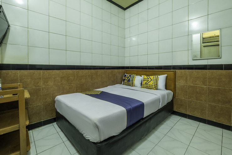 SPOT ON 2054 Arimbi 3 Near Santosa Hospital Bandung - Guestroom Sp/D