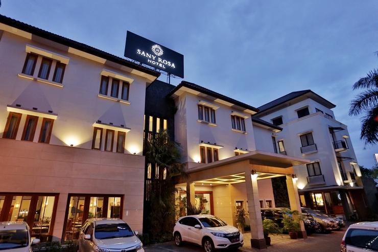Sany Rosa Bandung - Front of Hotel Building