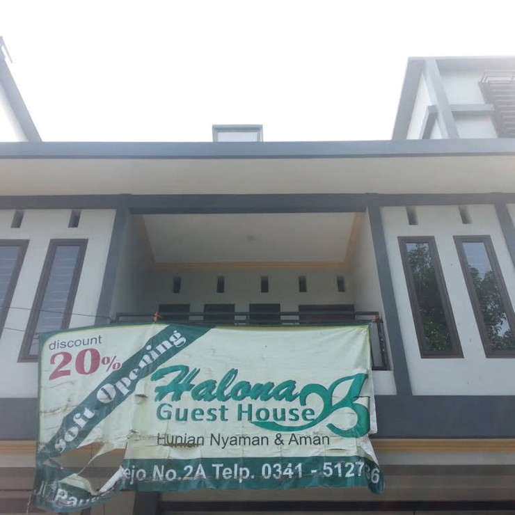 Halona Guest House Malang - Exterior
