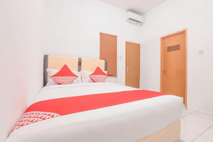 OYO 160 Lontar Residence Near Bina Sehat Hospital Mandiri Jakarta - Bedroom