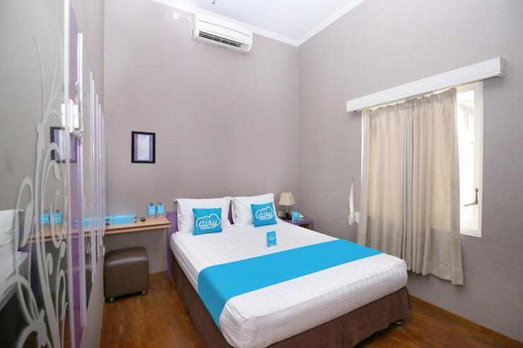 Airy Syariah Alun Alun Merdeka Wahid Hasyim 4 Malang - Double Room