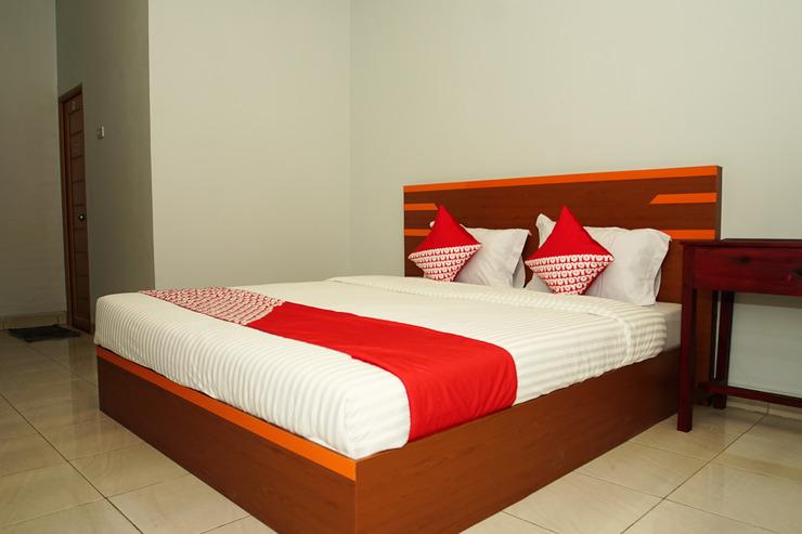 OYO 189 AA Residence Syariah Palembang - Bedroom