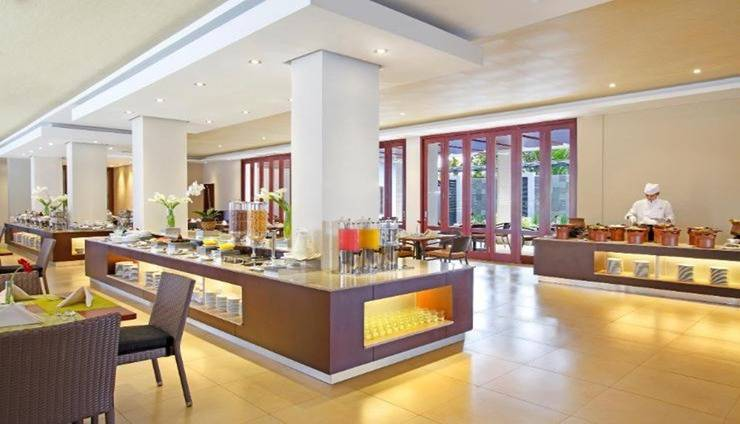 Hotel Santika  Purwokerto - Interior