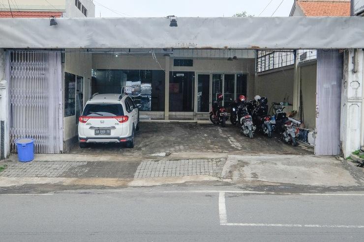 RedDoorz @ Jalan Setiabudi Semarang Semarang - Exterior
