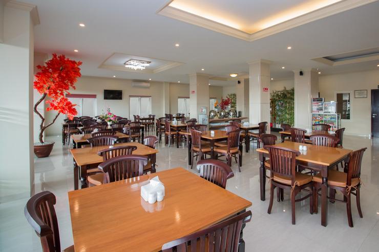 Airy Mataram Cakranegara Subak Empat 6 Lombok - Restaurant