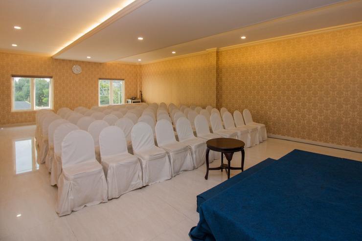 Airy Mataram Cakranegara Subak Empat 6 Lombok - Meeting Room