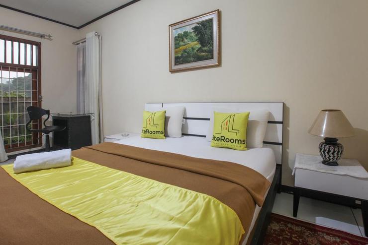 Literooms Villa Atikah Puncak Bogor - Bedroom