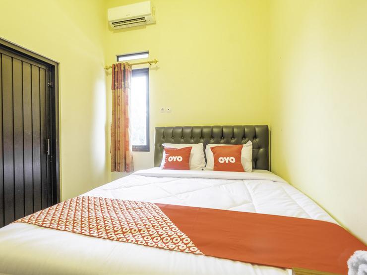 OYO 2260 Zleepy Sasana Budaya Cirebon - Deluxe Double Bedroom