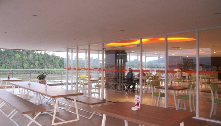 HARRIS Hotel Samarinda - Restoran