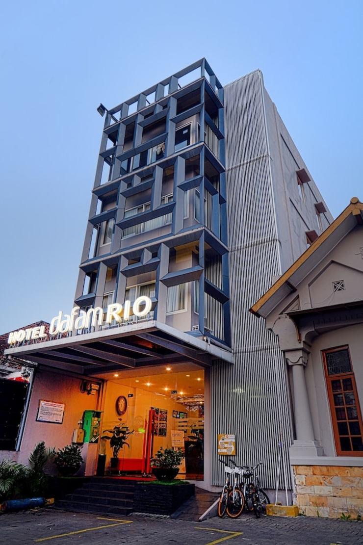 Hotel Dafam Rio Bandung - Featured Image