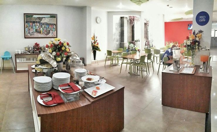 Hotel Dafam Rio Bandung - Breakfast Area
