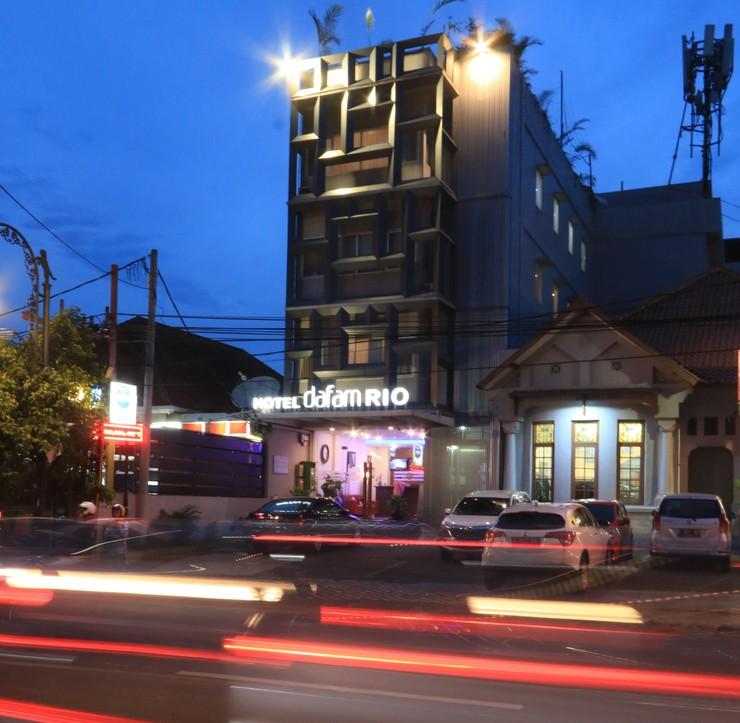 Hotel Dafam Rio Bandung - Facade