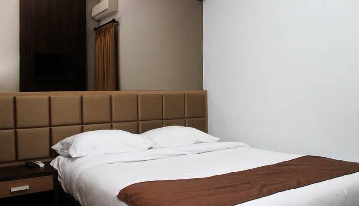 Dinasty Hotel Solo - Superior Room