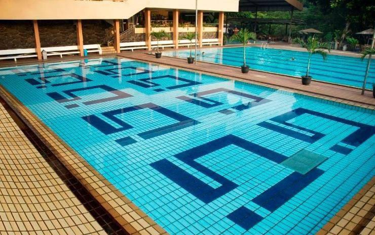 The Cipaku Garden Hotel Bandung - Swimming Pool