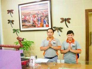 The Cabin Hotel Sutomo Yogyakarta - Resepsionis