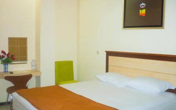 The Cabin Hotel Sutomo Yogyakarta - Big Cabin Private Bathroom