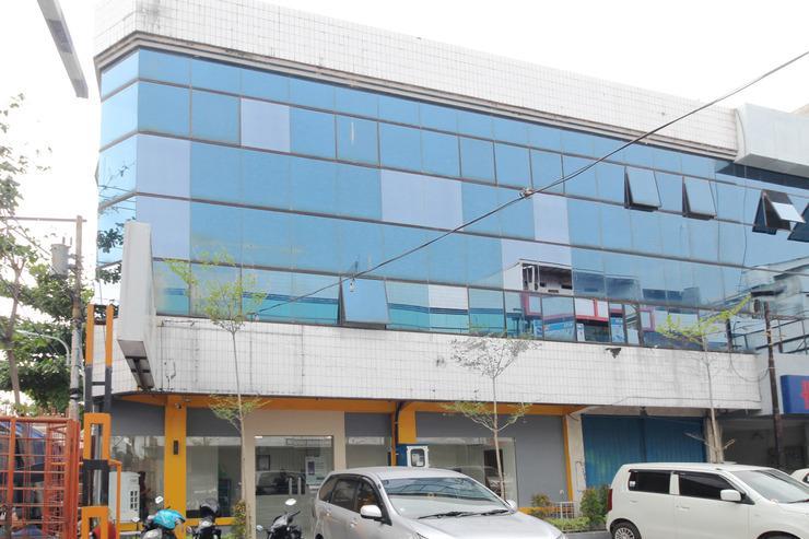 Airy Purwodinatan Pekojan Pertokoan THD Semarang - Hotel Building