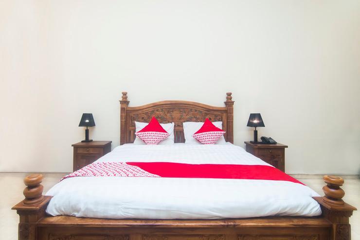 OYO 326 Ndalem Padma Asri Guest House Yogyakarta - Bedroom