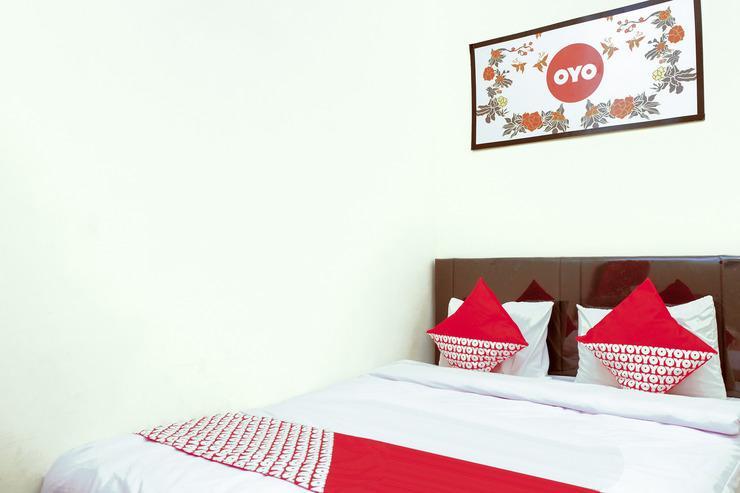 OYO 314 Emas 23 Guest House Syariah Malang - Bedroom