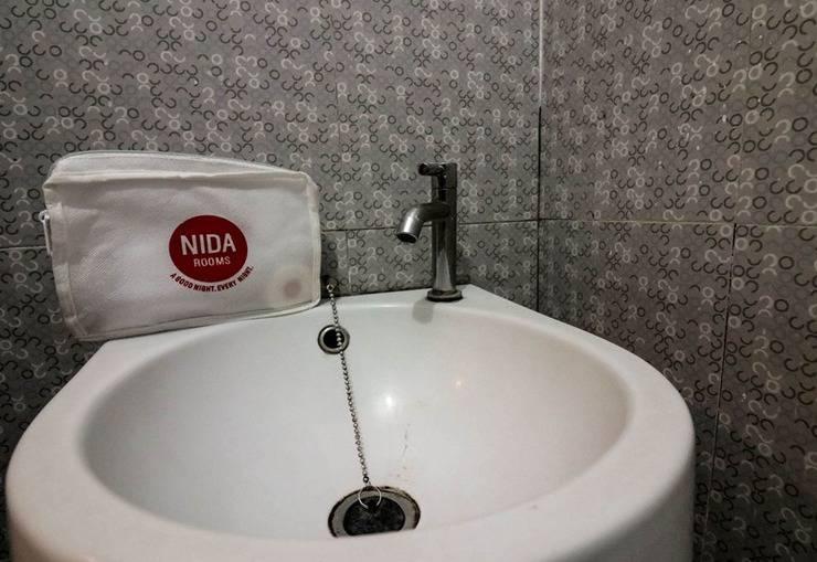 NIDA Rooms Gejayaan Kepuh GK III Jogja - Kamar mandi