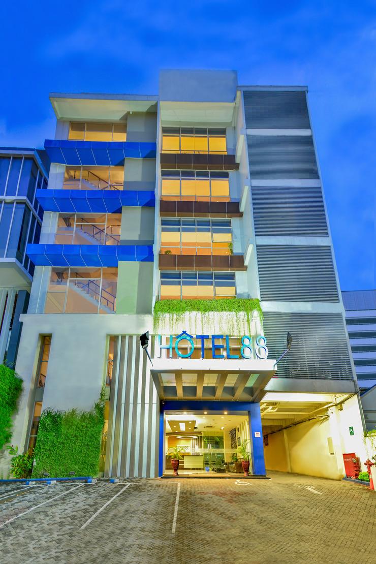 Hotel 88 Embong Kenongo Surabaya - Exterior