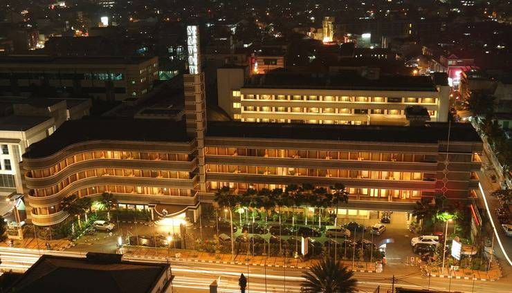 Hotel Savoy Homann Bandung - Savoy pada malam