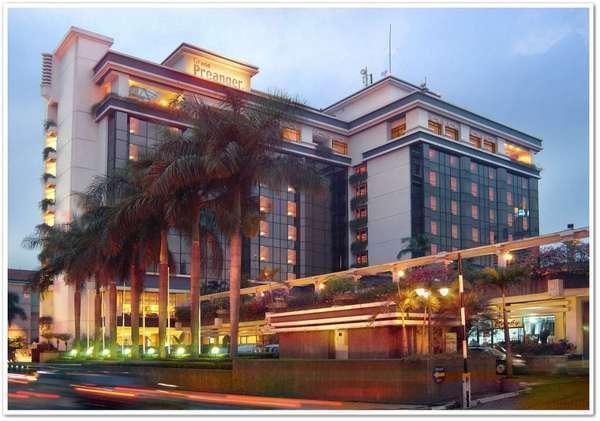 Grand Hotel Preanger Bandung - Tampilan Luar Hotel