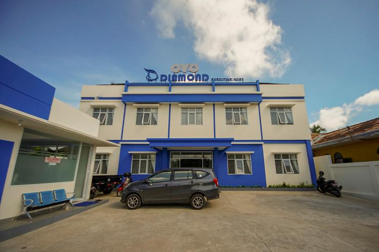 OYO 330 Diamond Executive Kost Palembang - Facade