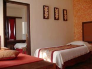 Peneeda View Beach Hotel Bali - Family Room