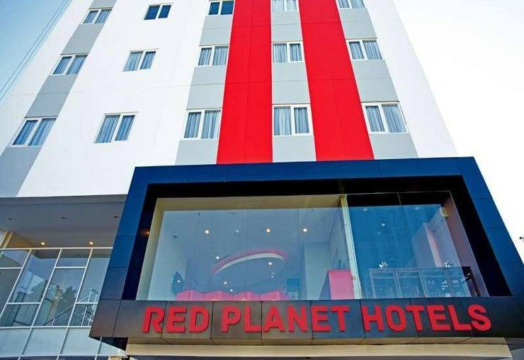 Red Planet Makassar - Appearance