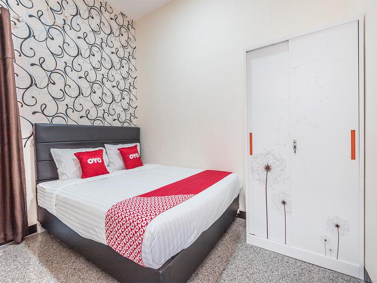 OYO 1742 Safa Alya Bekasi - Suit Double Bedroom