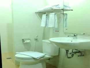 Maumu Hotel Surabaya - Kamar mandi