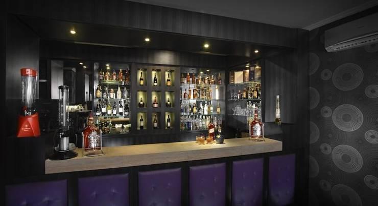 Maumu Hotel Surabaya - Bar