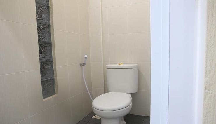 Aru House Ubud Bali - Bathroom